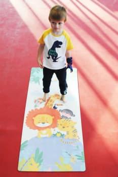 Красивый детский коврик для йоги
